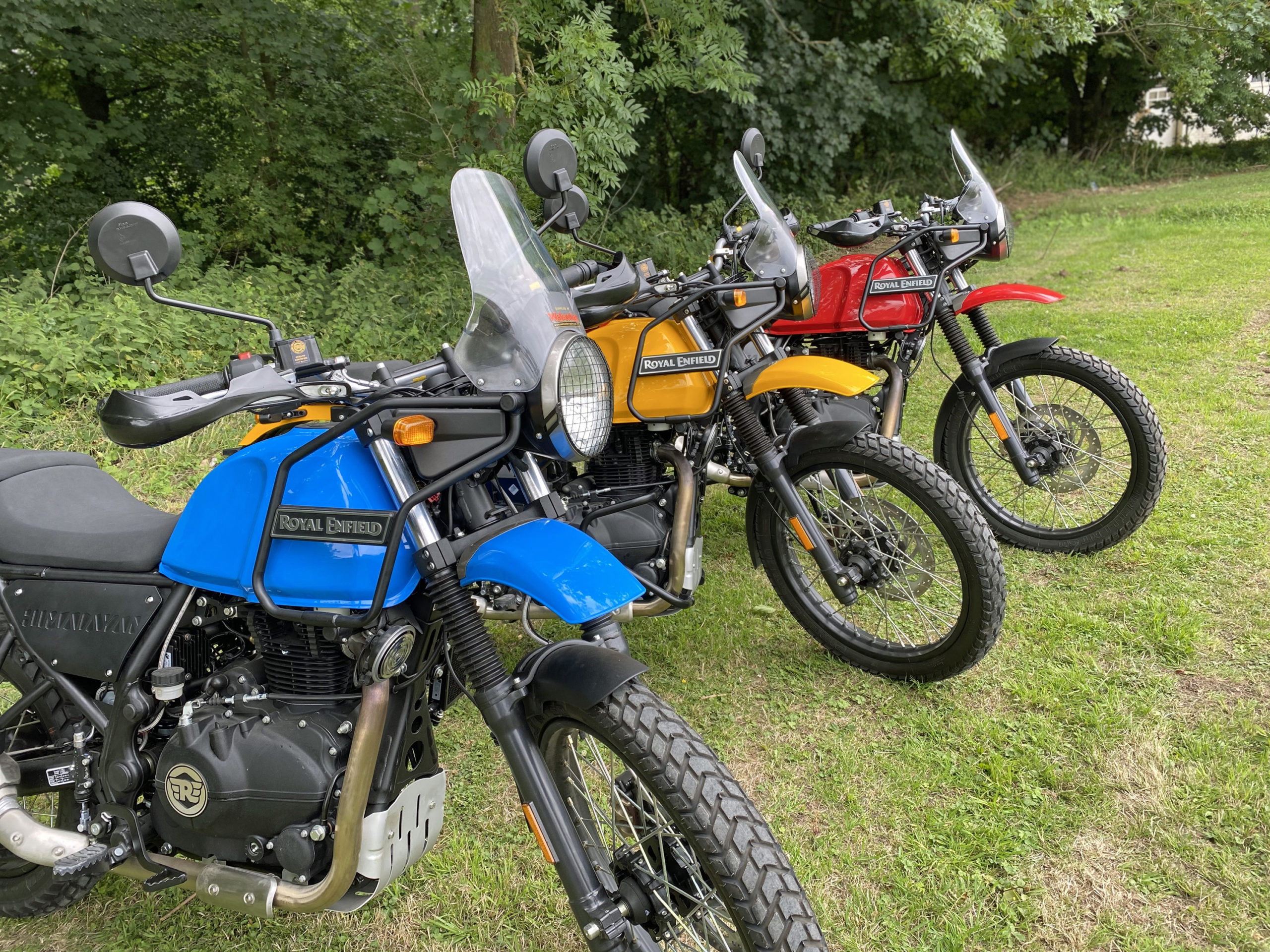 Royal_enfield_himalayan_red_blue_yellow